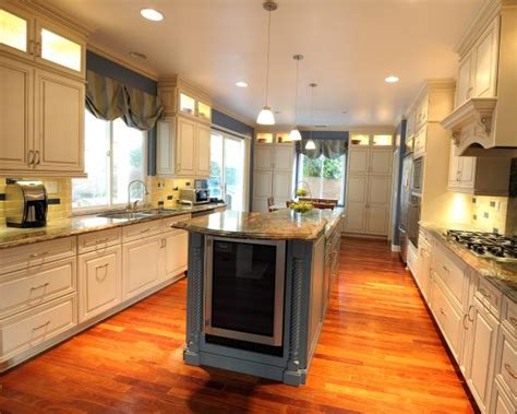 Chic Transitional Kitchen With Built-In Wine Refrigerator