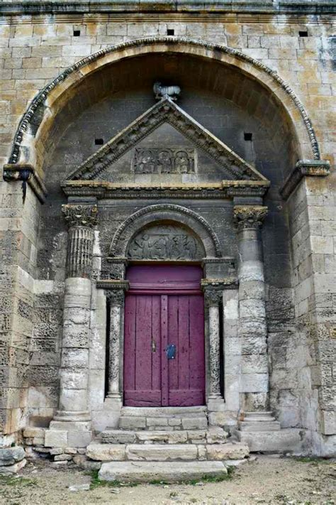 The Roman Chapelle Saint Gabriel – Out and About Provence