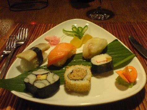 sushi starter in asian - Picture of Concorde De Luxe