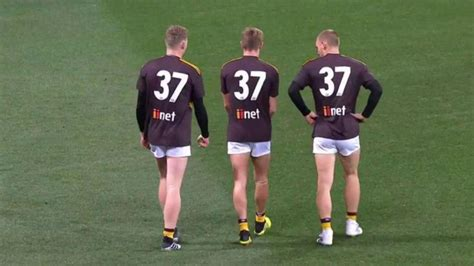 Adam Goodes tribute: Hawthorn wear number 37 on warm up