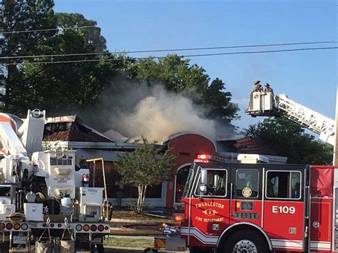 Fire in vacant building shuts down portion of Rivers